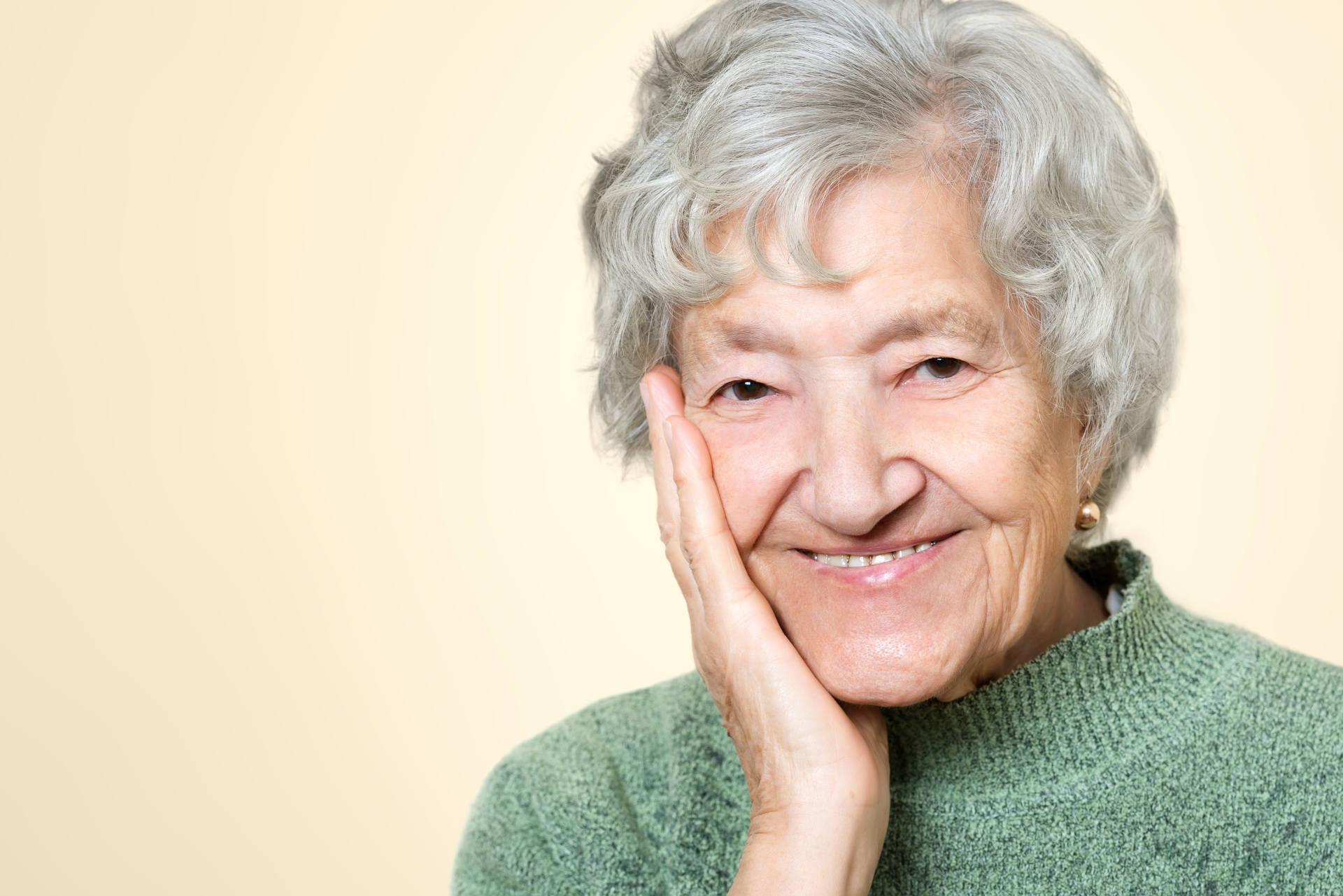 Wir möchten, das jeder auch im Alter Zuhause leben kann. Deshalb vermitteln wir bereits seit über 15 Jahren Betreuerinnen an Senioren, welche eine Betreuung benötigen. Melden Sie sich bei uns. Auch für Sie haben wir die Richtige Betreuungsperson.